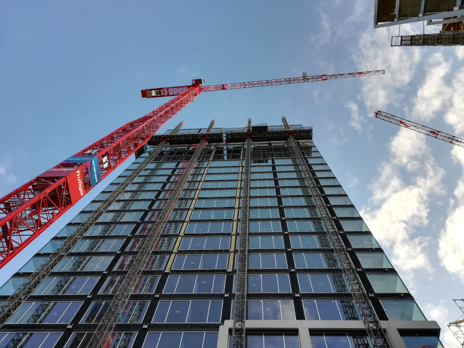Fassade mit 90 Meter Höhe